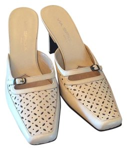 Via Spiga Creamy white Pumps