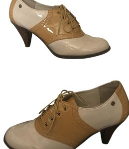 G.H. Bass & Co. Biscotti & Citrus Pumps
