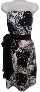 White House | Black Market Strapless Shirred Print Dress