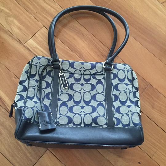Preload https://img-static.tradesy.com/item/17690167/coach-signature-and-navy-canvasleather-satchel-0-0-540-540.jpg