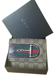 Gucci Gucci Signature Hasler Compact Wallet