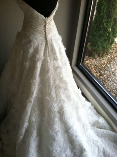 Allure Bridals Ivory Lace C157 Wedding Dress Size 4 (S)