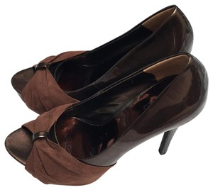 Carlos by Carlos Santana Brown Pumps