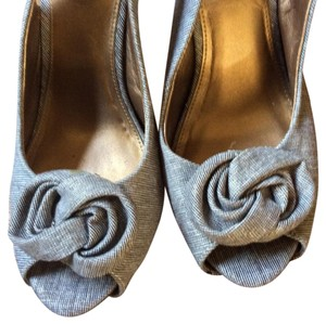 Kelly & Katie Peep Toe Fabric Shimmer Summer Rosette Brown, White and Gold Pumps