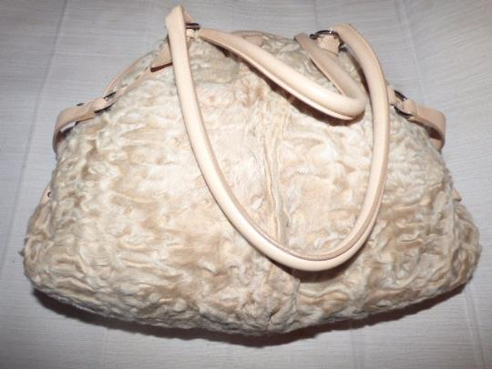 Salvatore Ferragamo Gucci Abbey D-ring Gold Leather Extra Large Size Ruched Fabric Mint Vintage Satchel in champagne Image 3