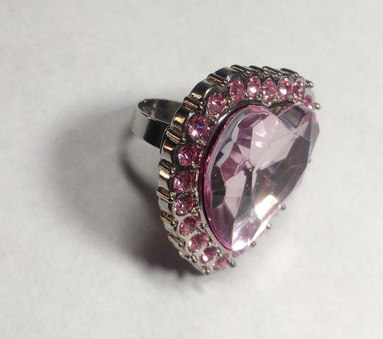 Other New Chunky Heart Statement Ring Adjustable Size Silver Tone Pink J2749 Image 4