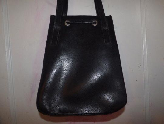 Gucci Mod And Chic Multiple Compartment Chrome Hardware Large And Roomy Tom Ford Satchel in black leather Image 4