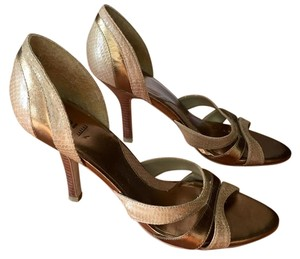 Baker Leather Size 7.5 Peep Toe Neutral tan and brown Pumps