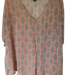 Bobeau Top Beige with pink/orange accents