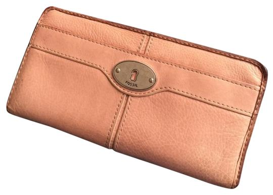 Preload https://img-static.tradesy.com/item/17698711/fossil-blush-rose-pink-maddox-zip-around-leather-wallet-0-5-540-540.jpg