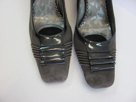 J. Renee Suede Size 10 M Good Condition GRAY Pumps