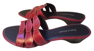 Naturalizer Stitching Low Heel Leather Red with white thread Sandals