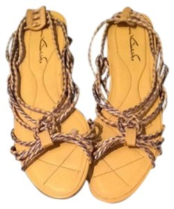 Gloria Vanderbilt Yellow Sandals