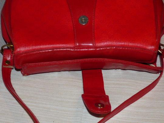 Gucci Mint Vintage Great For Travel Gold Hardware Red/Navy Stripe Snap Accessory Col Cross Body Bag Image 1