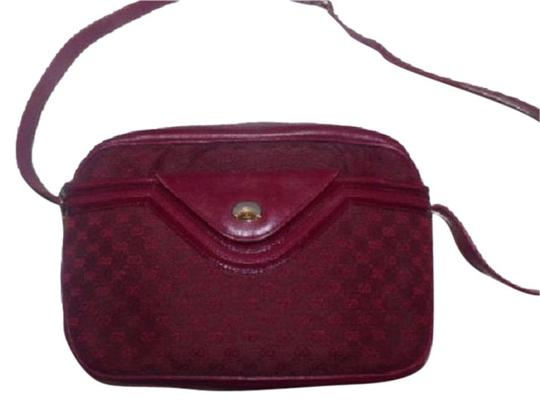 Preload https://img-static.tradesy.com/item/17707579/gucci-vintage-pursedesigner-purses-shades-of-burgundy-with-small-g-logo-print-canvasleather-and-shou-0-2-540-540.jpg