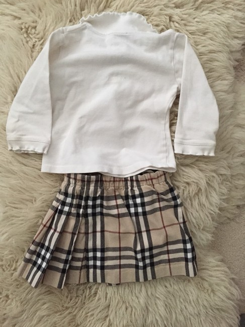 Burberry Super Cute Burberry Outfit Image 2