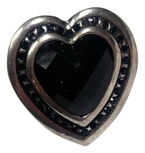 Other New Silver Tone Black Heart Statement Ring Size 7.5 J2755
