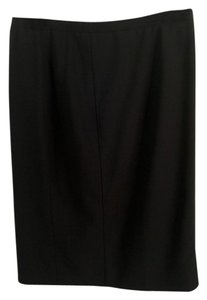 Armani Collezioni Fully Lined Slits Made In Italy Clean And Pressed Skirt Soft Black