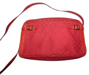 Gucci Gold Hardware Front Pocket Very Clean Lining Belt Buckle Accents Great Pop Of Color Cross Body Bag