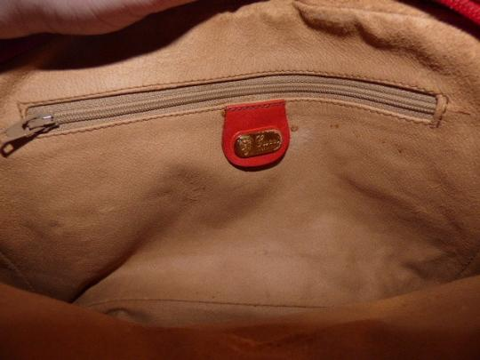 Gucci Gold Hardware Front Pocket Very Clean Lining Belt Buckle Accents Great Pop Of Color Cross Body Bag Image 2