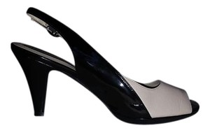 Naturalizer Black & Cream Pumps