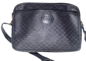 Gucci Multiple Compartment Early Bold Gg Snap Excellent Vintage Perfect For Everyday Cross Body Bag