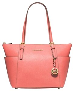 Michael Kors Michael Jet Set Zip Top Leather Tote in Grapefruit
