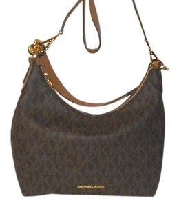 Michael Kors Micheal Jet Set Shoulder Bag