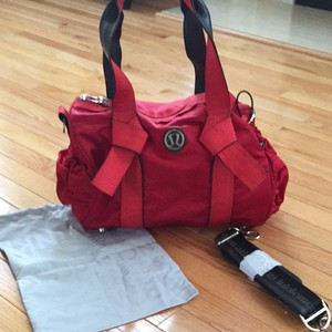 Lululemon Tote in Red