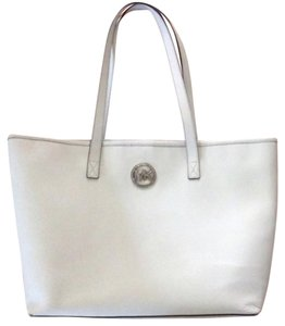 Michael Kors Tote in Pearl White