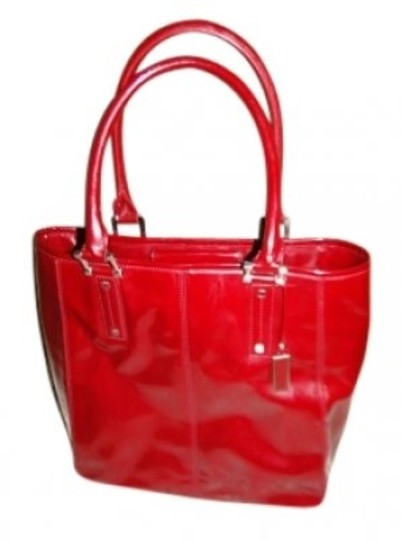 Preload https://img-static.tradesy.com/item/17713/talbots-red-patent-leather-shoulder-bag-0-0-540-540.jpg