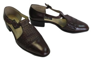 Pappagallo Size 9 brown Flats