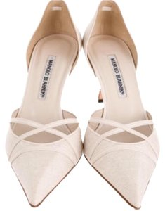 Manolo Blahnik Creme Pumps