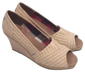TOMS Tan/white Wedges