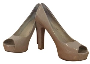 Nine West Nude patent leather Pumps