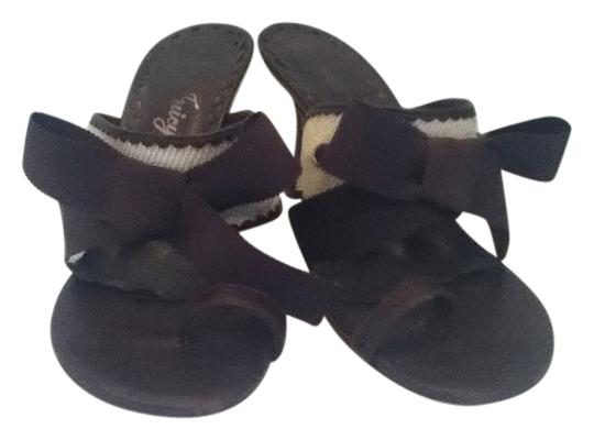 Preload https://item5.tradesy.com/images/juicy-couture-brown-sandals-1772129-0-0.jpg?width=440&height=440