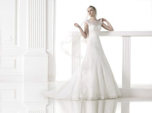 Pronovias Meredith Wedding Dress