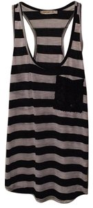 Arden B. Top Black/white