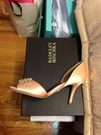 Badgley Mischka Peach Formal Size US 7