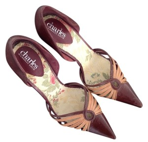 Charles David Burgundy With Camel Details Pumps