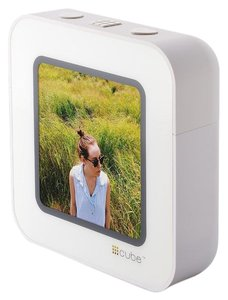 CUBE CUBE A Streaming Display for Social Media Frame, White