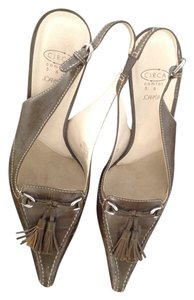 Circa Joan & David olive Pumps
