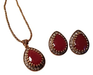 Vintage inspired Bohemian Necklace Set Antique Gold Ruby Red
