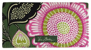 Vera Bradley Checkbook Cover in Olivia Pink