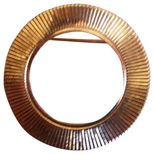 Preload https://img-static.tradesy.com/item/177360/gold-like-new-vintage-circle-pin-0-1-540-540.jpg