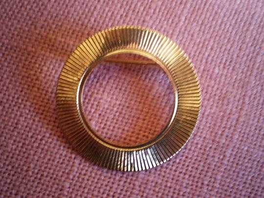 Other Like new Vintage circle pin