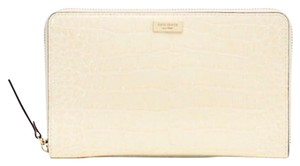 Kate Spade Knightsbridge Zip Travel Wallet