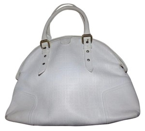 Burberry High-end Bohemian Geometric Embossing Brass Hardware Xl 2 Strap 'orchard' Style Satchel in white embossed leather
