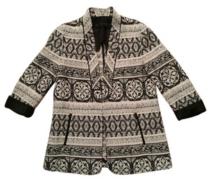 Zara Jacket Jacquard Texture Black and Cream Pattern Blazer