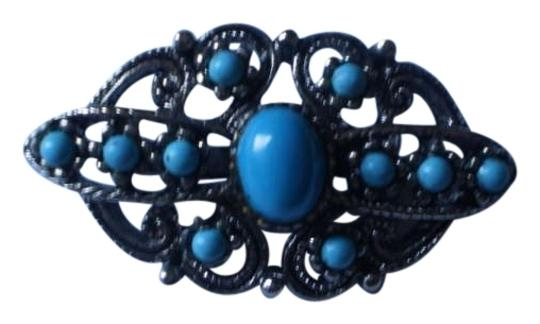 Preload https://img-static.tradesy.com/item/177387/like-new-vintage-silvertone-and-faux-turquoise-brooch-pin-0-0-540-540.jpg
